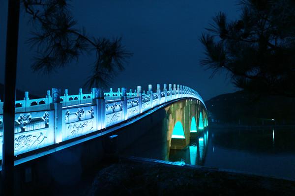 桥梁亮化为夜景添光增彩