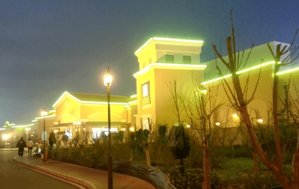 大型高端购物中心亮化工程——八达岭奥莱